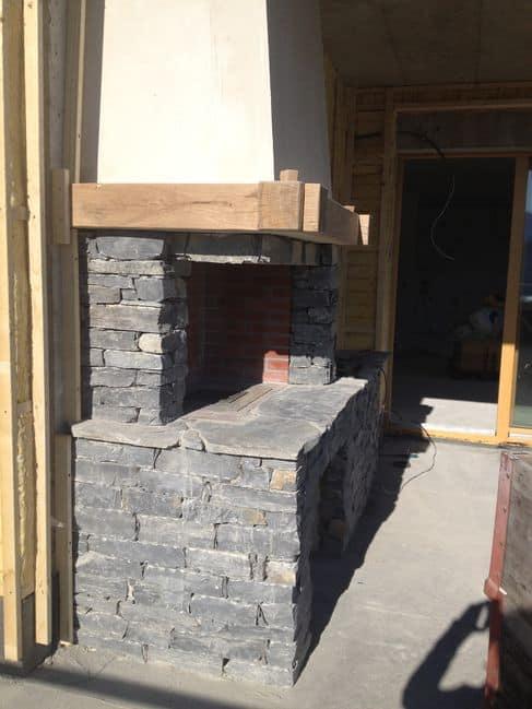 barbecue en vieille pierre. Black Bedroom Furniture Sets. Home Design Ideas
