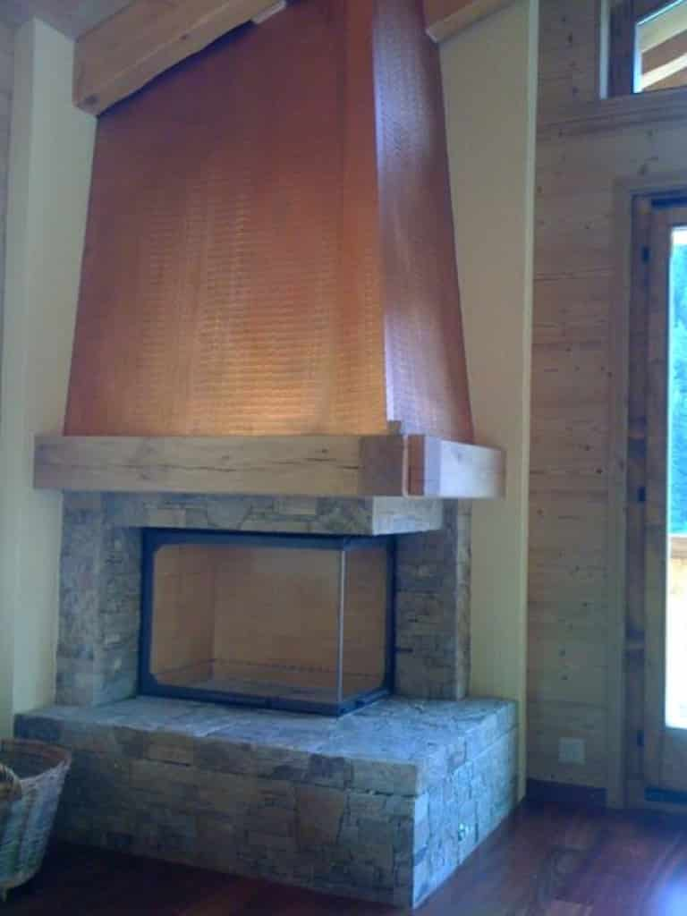 chemin e avec hotte en cuivre morgins art feu. Black Bedroom Furniture Sets. Home Design Ideas