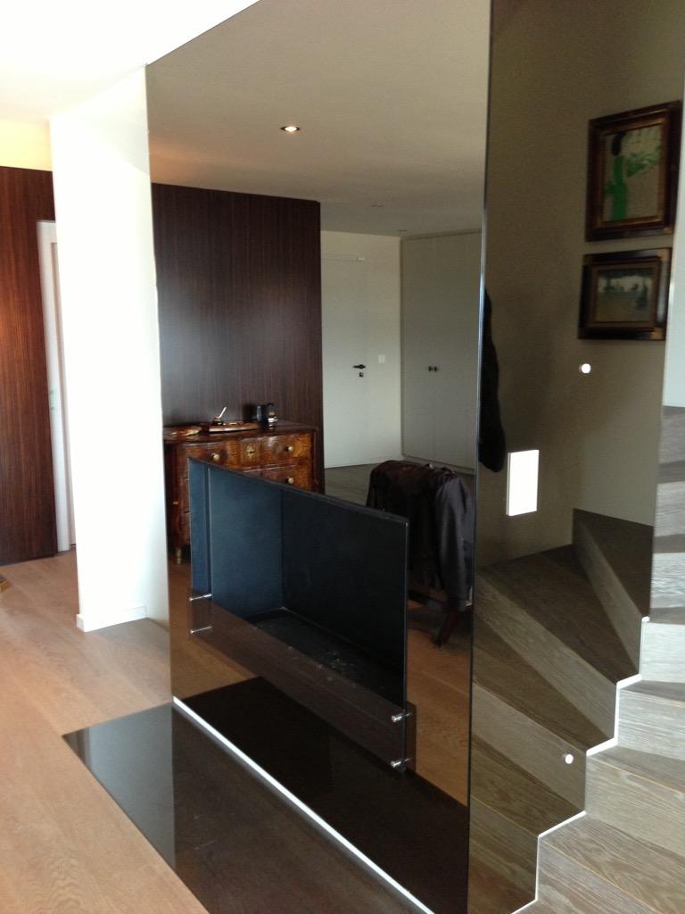 chemin e avec habillage en miroir fum crans pr s c ligny art feu. Black Bedroom Furniture Sets. Home Design Ideas