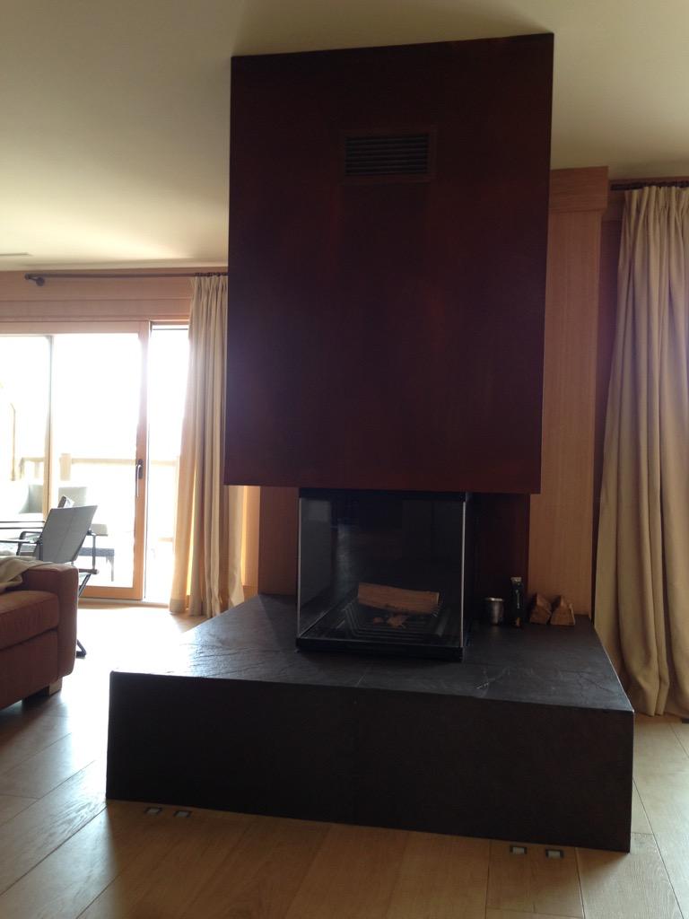 chemin e effet acier rouill crans montana art feu. Black Bedroom Furniture Sets. Home Design Ideas