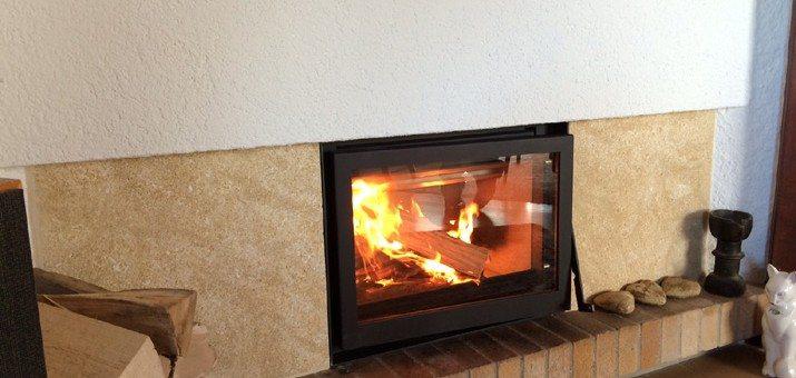 relooker une chemine rustique photo avant apres salon by nooor architecte duinterieur r. Black Bedroom Furniture Sets. Home Design Ideas