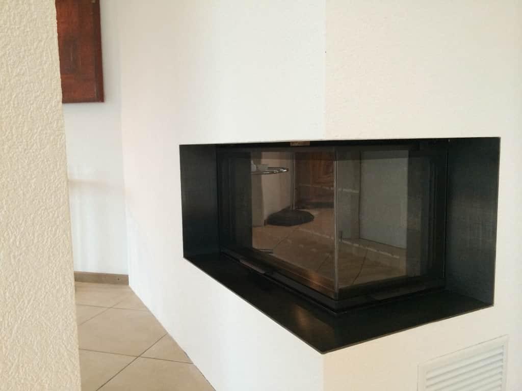 transformation d 39 une chemin e la tour de peilz art feu. Black Bedroom Furniture Sets. Home Design Ideas
