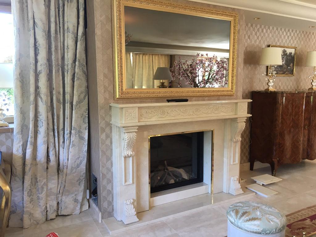 Chemin e gaz en marbre divonne les bains art feu - Habillage cheminee marbre ...